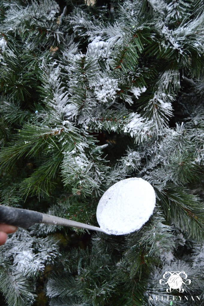 How to put fake snow on a Christmas tree- easy tutorial
