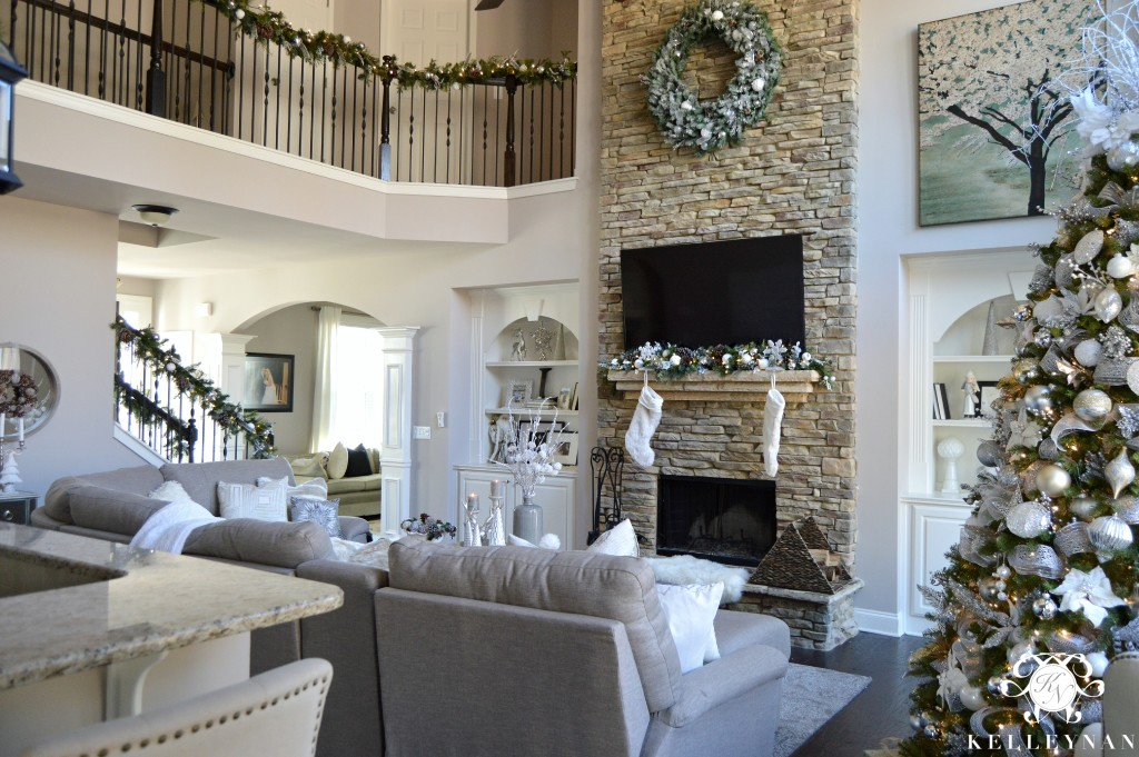 Christmas Living Room 9