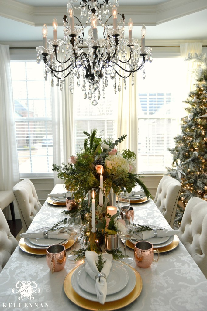 Christmas Table with Pink Roses