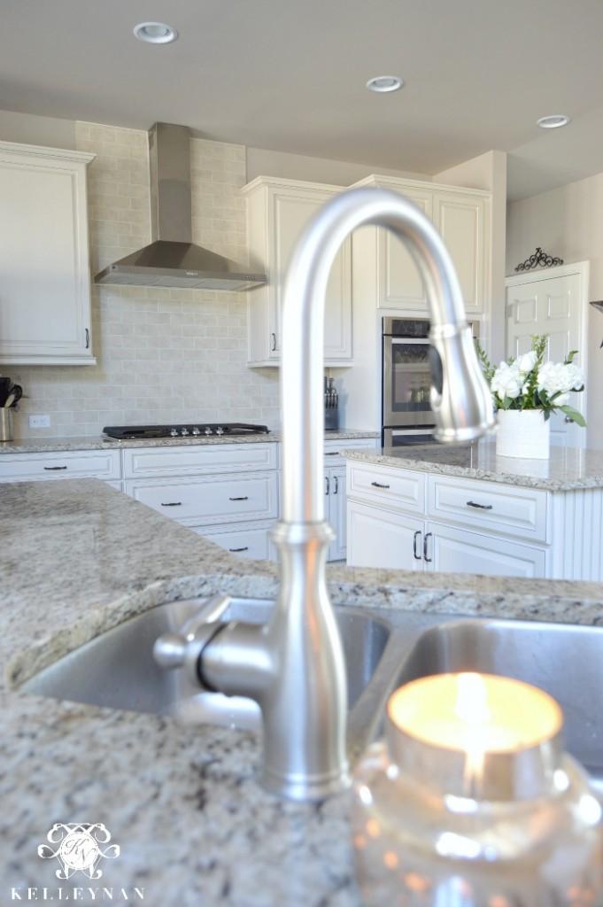 Swan neck kitchen sink faucet
