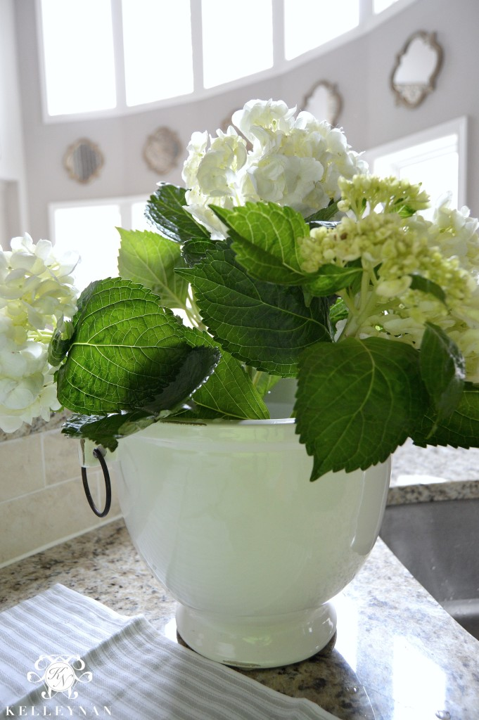 Creating a hydrangea arrangement
