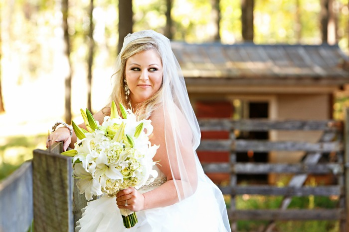 huge-white-bridal-bouquet-with-lilies-and-hydrangeas-and-roses
