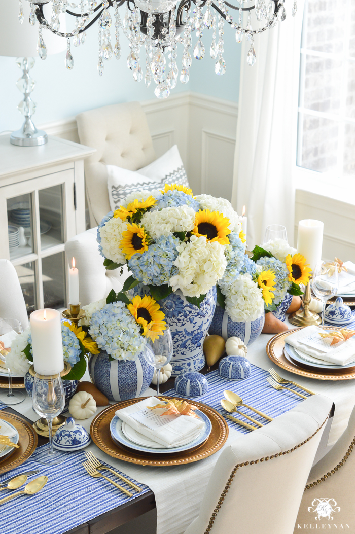 Lots of great ways to decorate with blue and white.