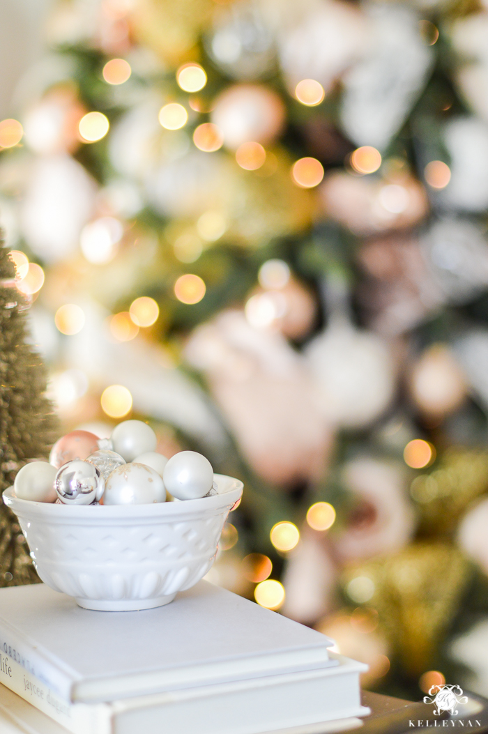 bokeh-christmas-tree-lights-in-office