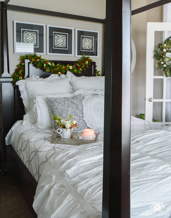 Christmas Bedroom Decor With Holly Garland