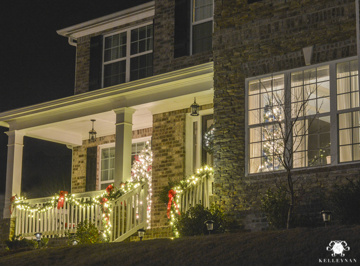 christmas-home-at-night-with-twinkling-lights-19-of-6