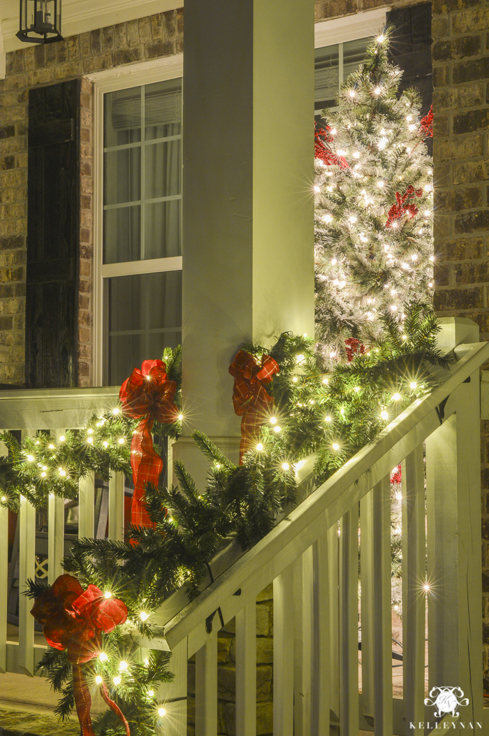 christmas-home-at-night-with-twinkling-lights-21-of-6