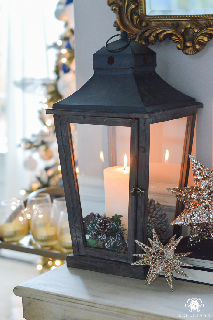 christmas-lantern-decor-in-entry