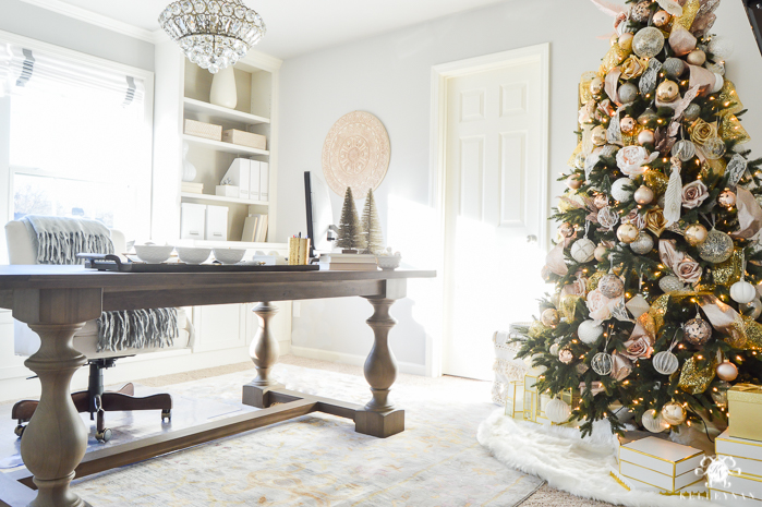 christmas-tree-in-office-in-neutral-blush-and-gold-1-of-1