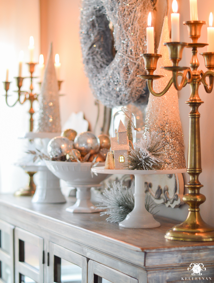gold-and-white-christmas-decor-in-breakfast-nook