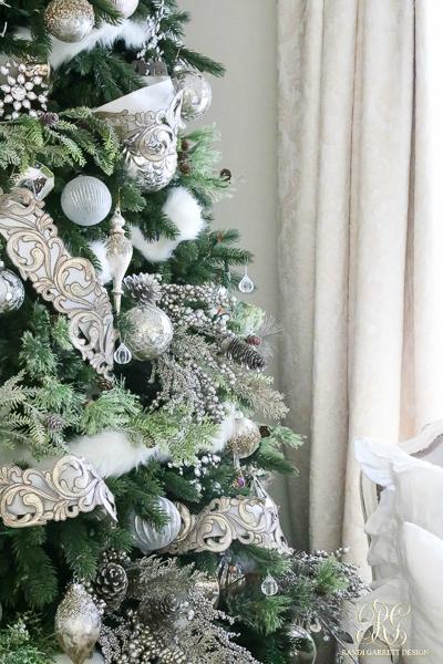 randi-garrett-christmas-tree