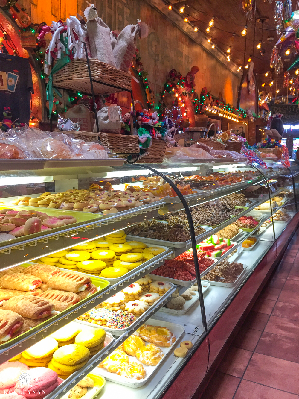 Texas Trip and San Antonio Fiesta Week-Mi tierra bakery