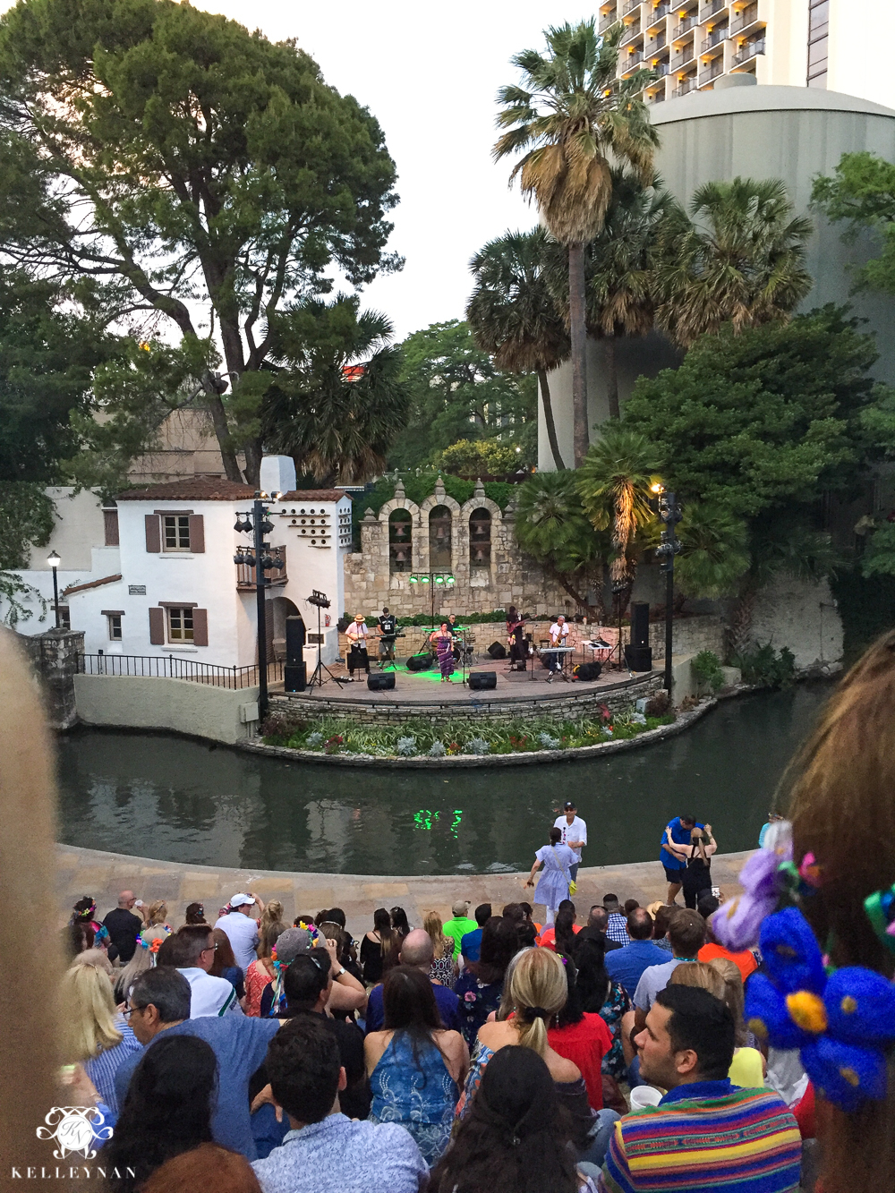 Texas Trip and San Antonio Fiesta Week-Niosa Stages
