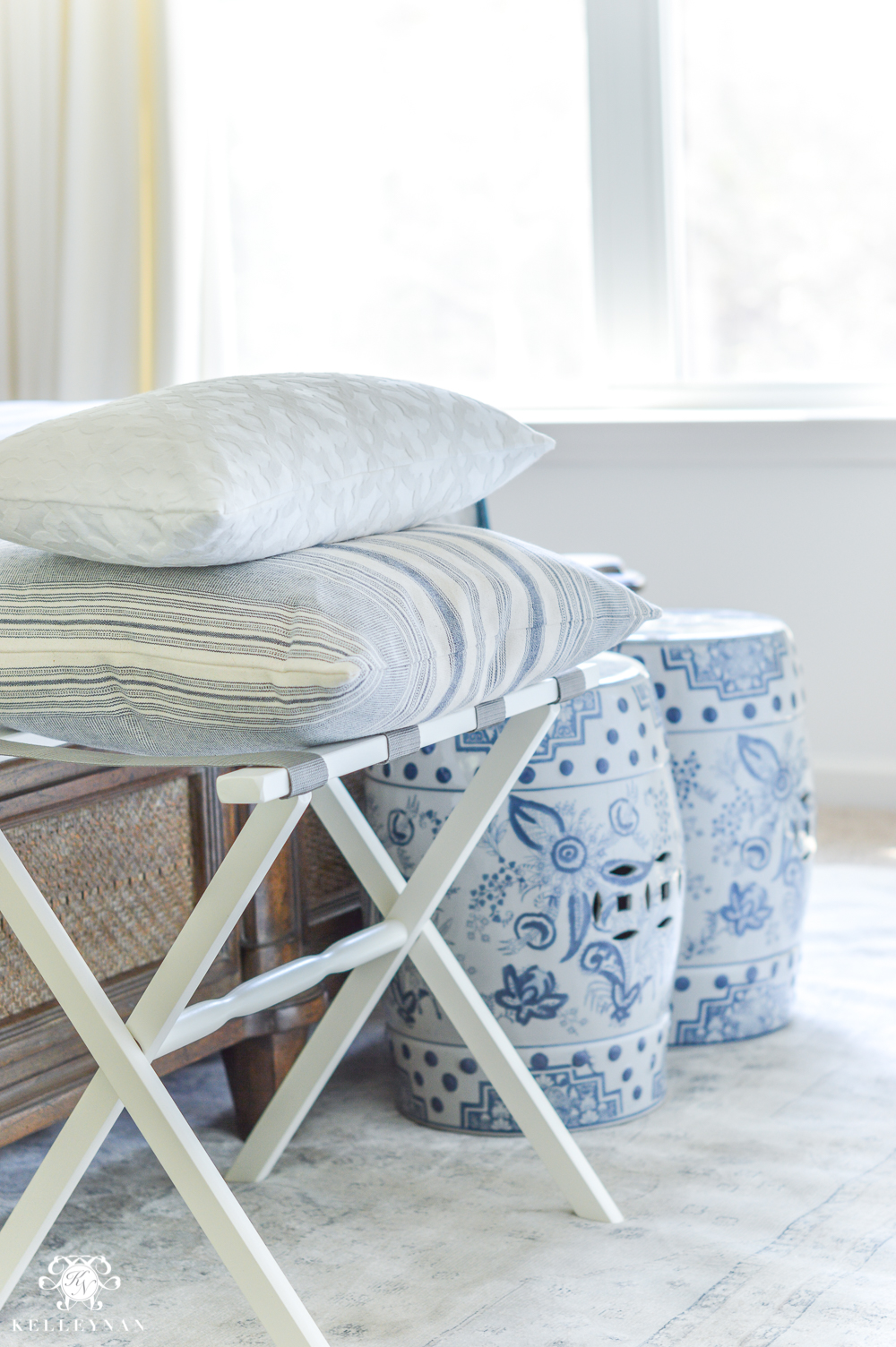 Image of: 8 Guest Bedroom Essentials And Luxuries Your Company Will Thank You For Kelley Nan