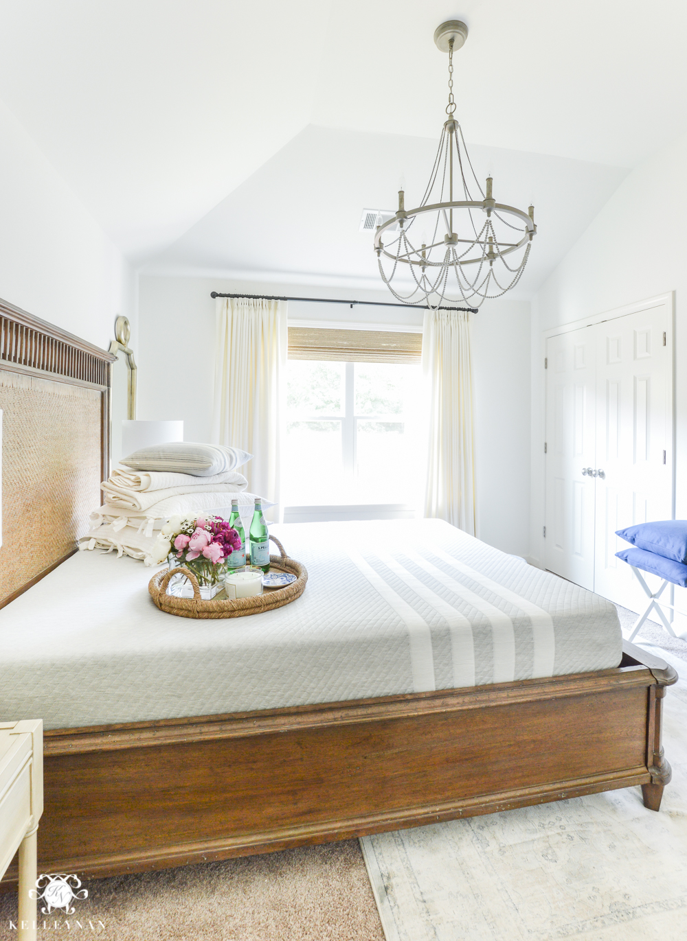 Guest Room Essentials- What every guest bedroom should have- leesa queen sized mattress