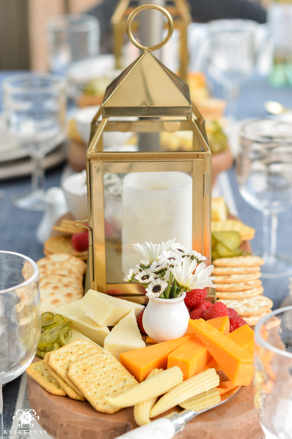 Outdoor Entertaining and Table Ideas with Cheese board appetizer centerpieces-how to build a cheese board