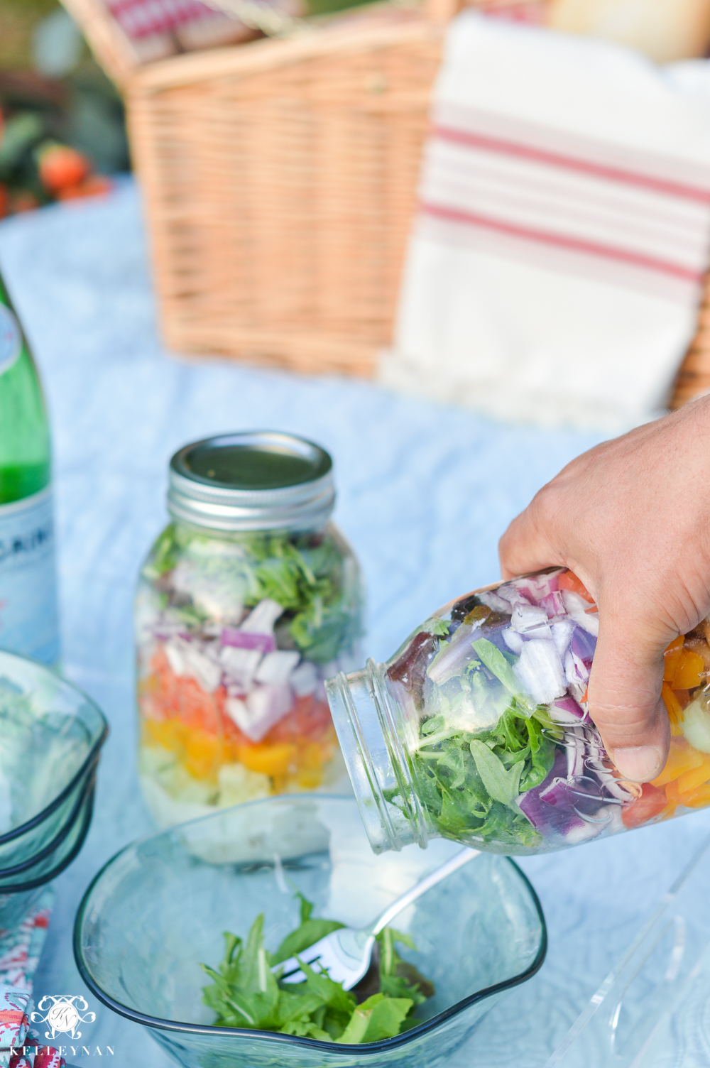 Picnic and Tailgate Ideas and Setup- jar salad how to