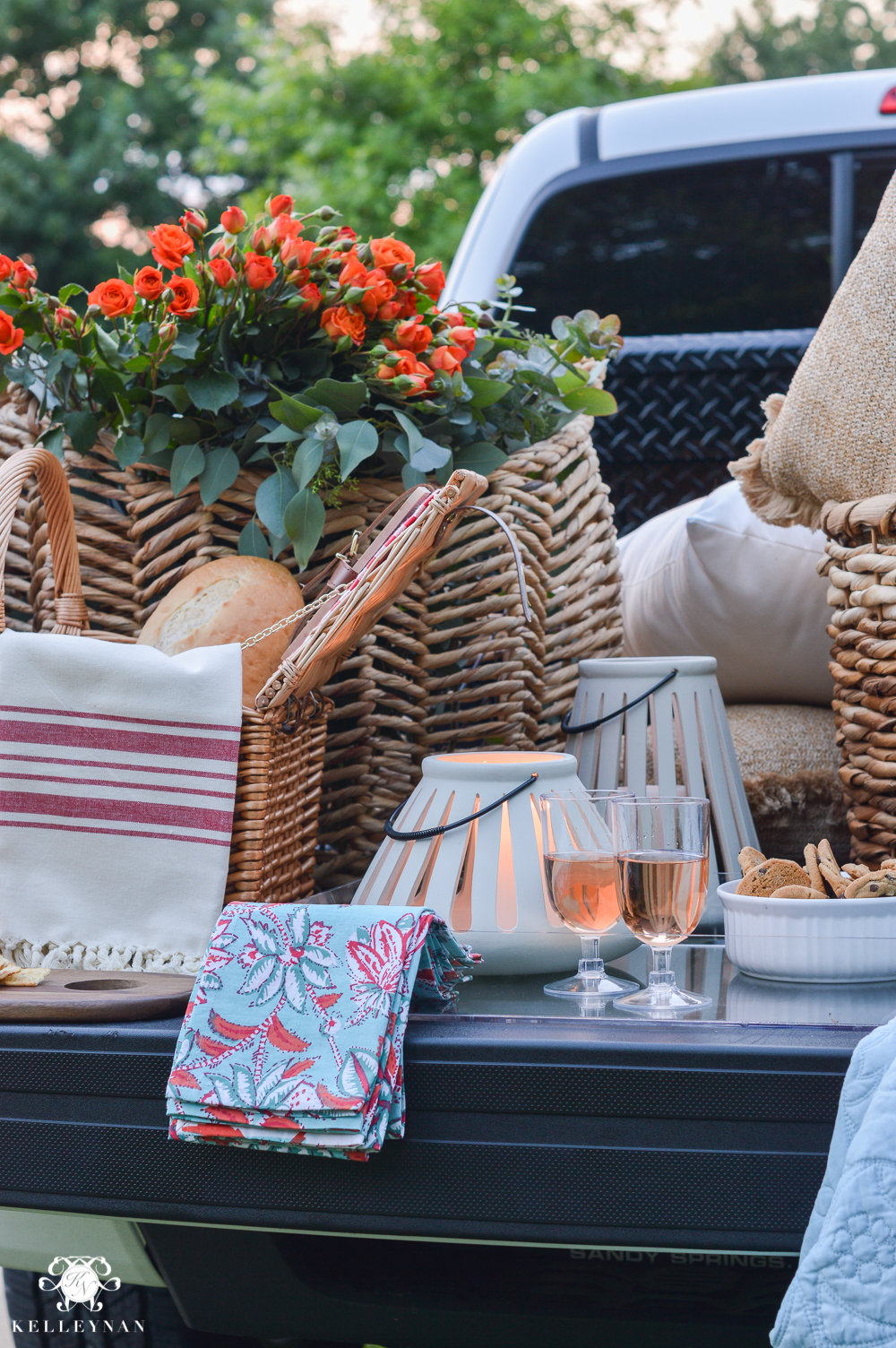 Picnic and Tailgate Ideas and Setup- ten times to tailgate and picnic