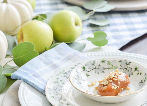 Easy Fall Table Idea – Caramel Apple Place Settings