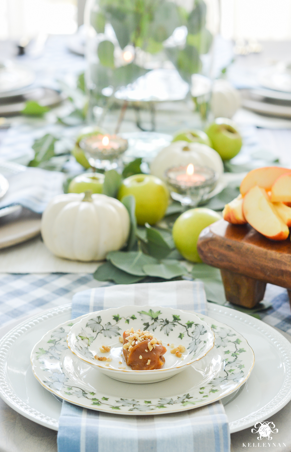 Fall Caramel Apple Table Place Setting Ideas- autumn place setting ideas