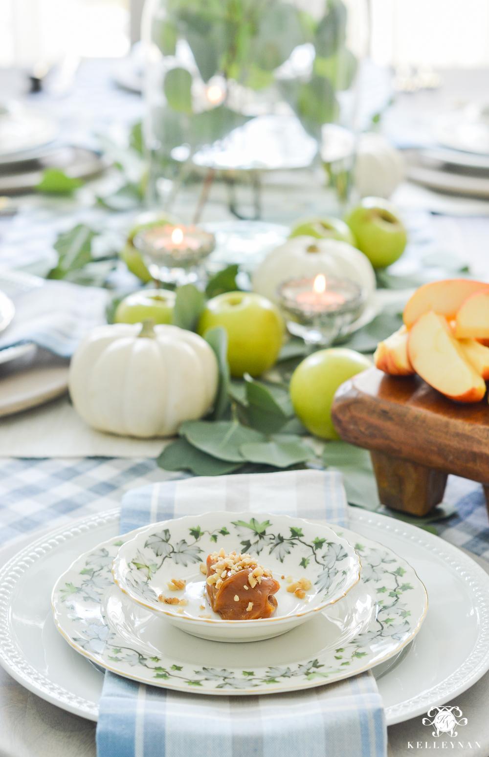 Fall Caramel Apple Table Place Setting Ideas- autumn place setting ideas & Easy Fall Table Idea - Caramel Apple Place Settings - Kelley Nan