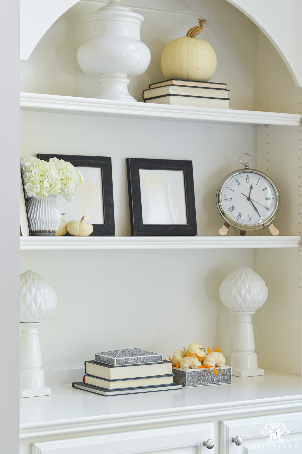 Bookcase styling tips for fall