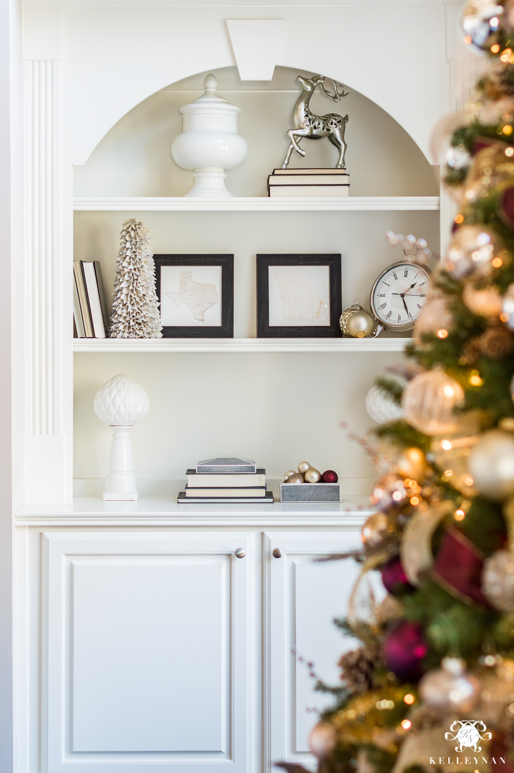 How to style shelves with Christmas decor