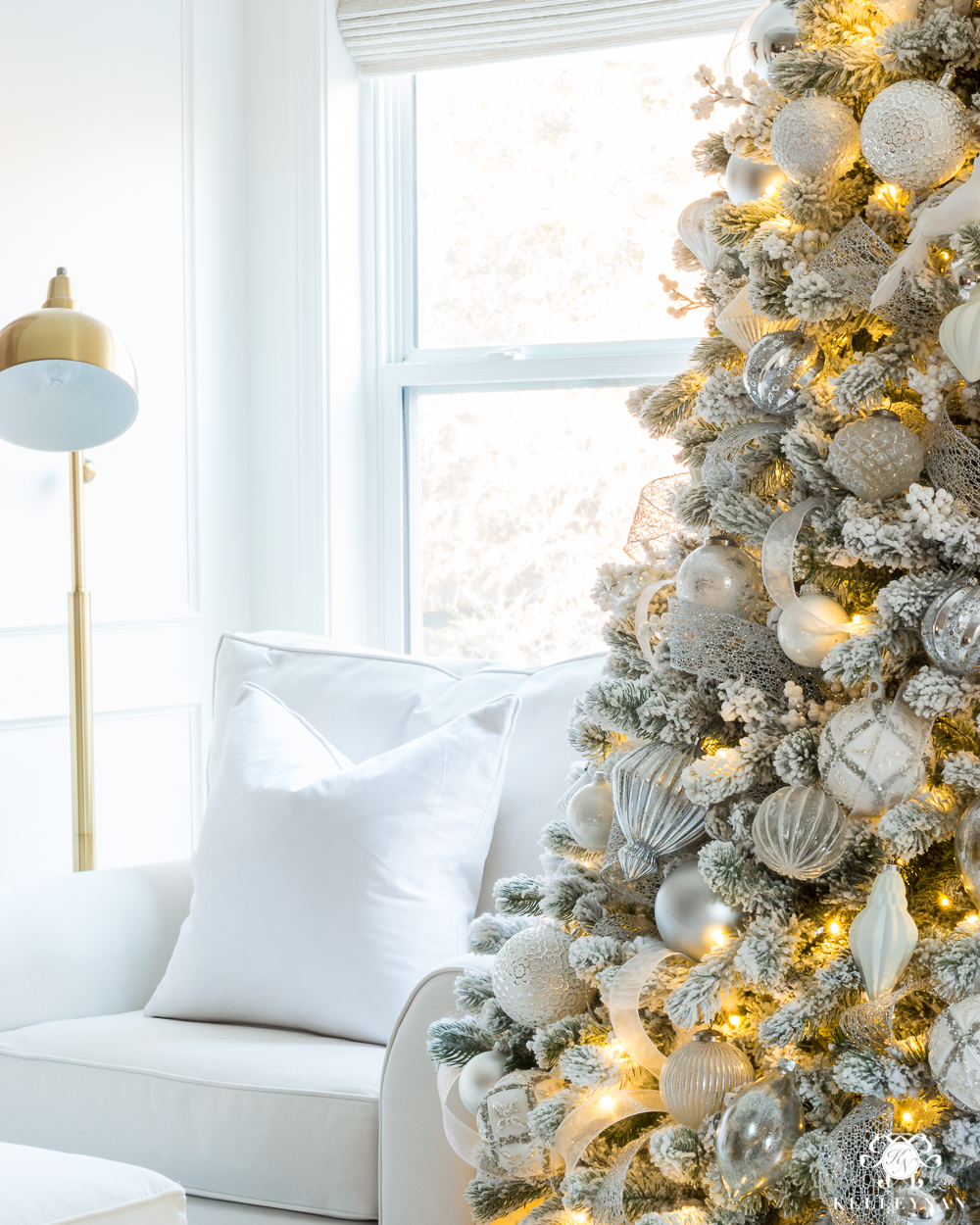 Cozy white sitting nook - bedroom Christmas decorating ideas