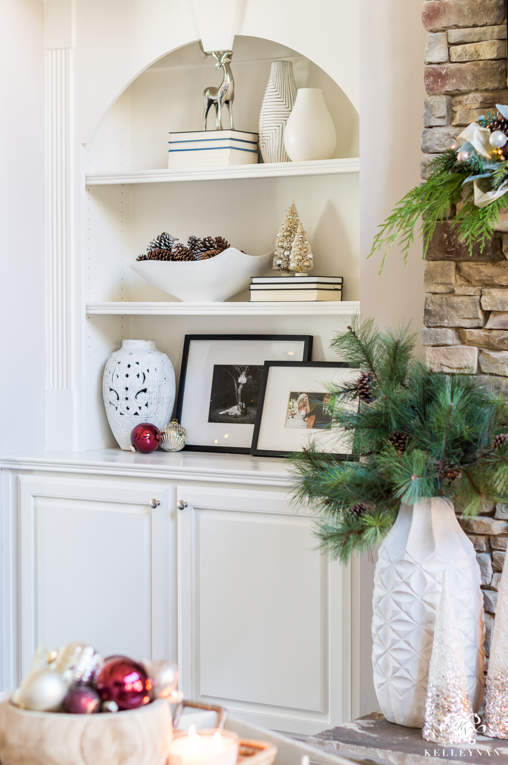 Simple shelf styling ideas for Christmas