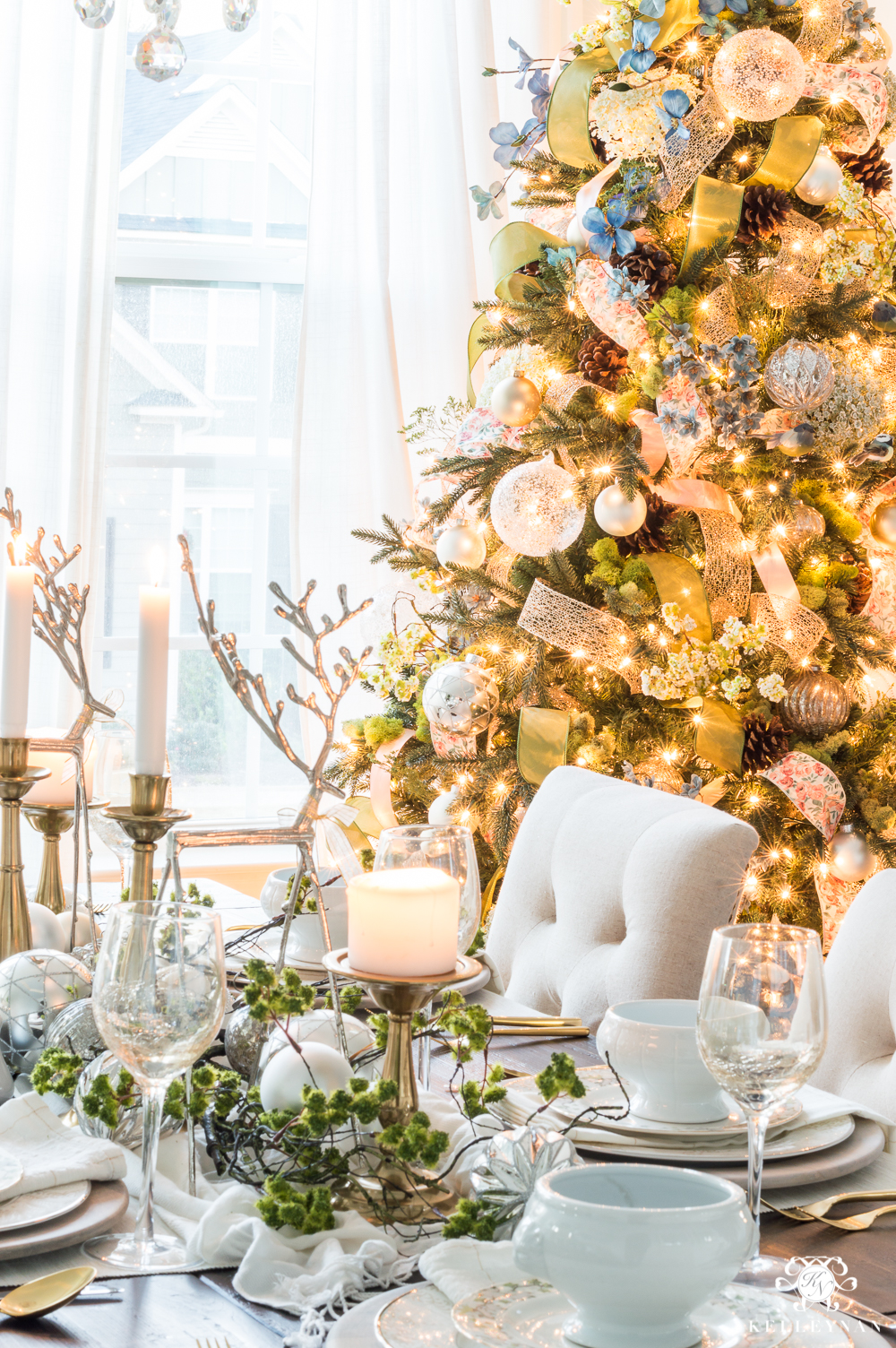 Dining room Christmas decorating ideas for a dinner party