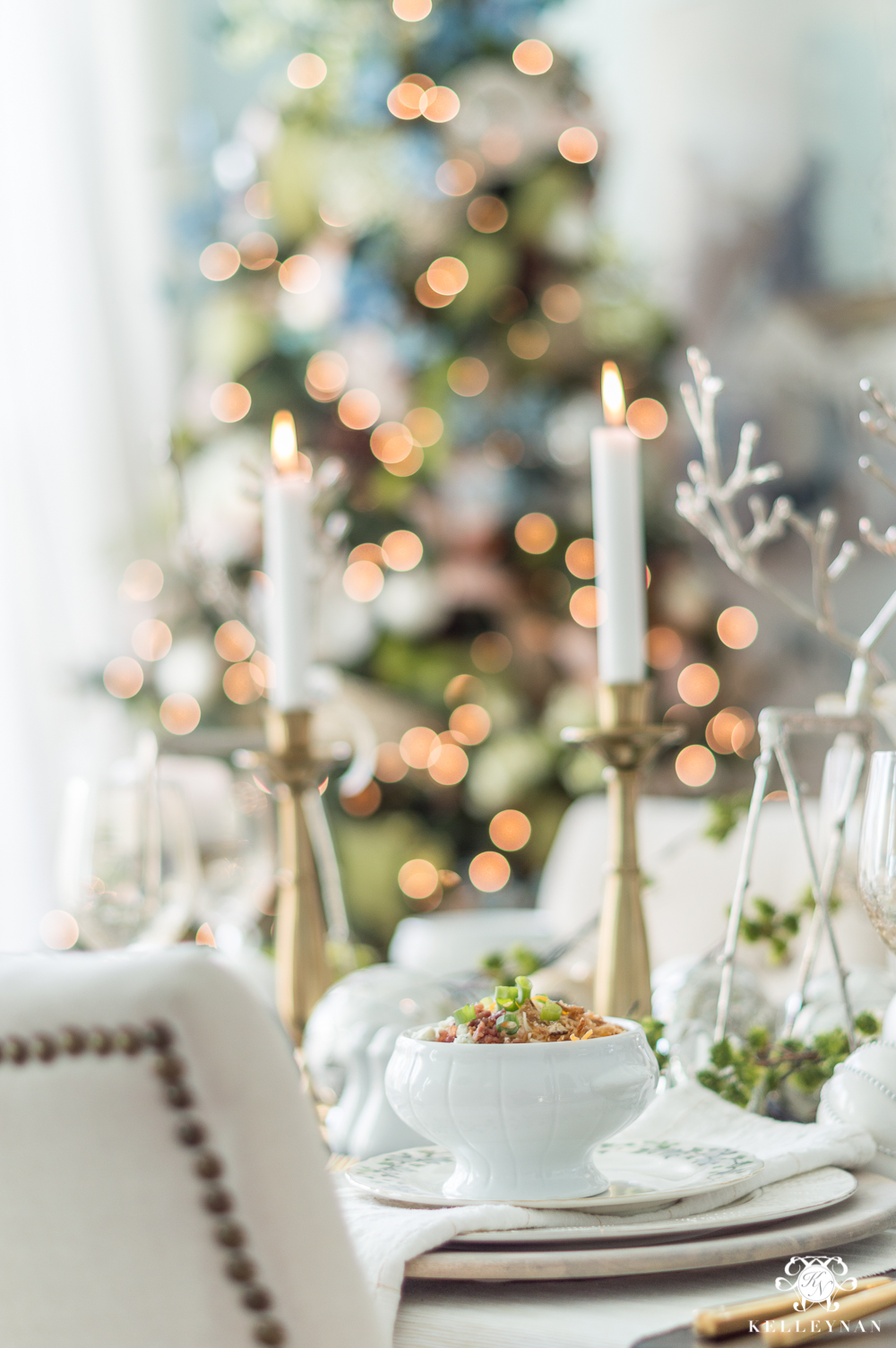 Dining Room Christmas tree and decorating ideas