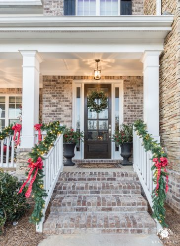 2017 Christmas Home Tour: Champagne, Wine and Other Christmas Color Schemes