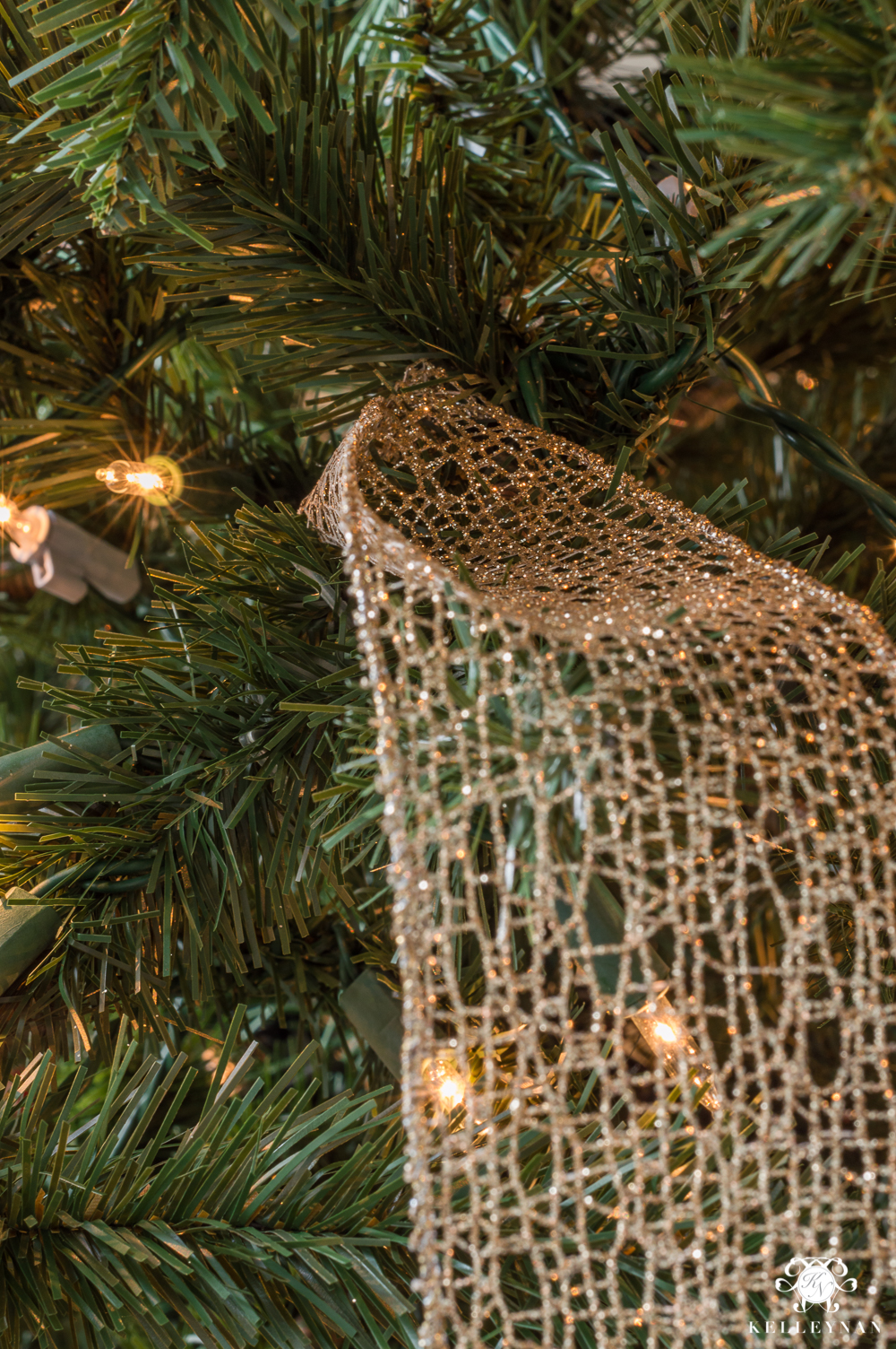 How To Decorate A Christmas Tree Professionally With Ribbon.How To Decorate A Christmas Tree With Ribbon Kelley Nan
