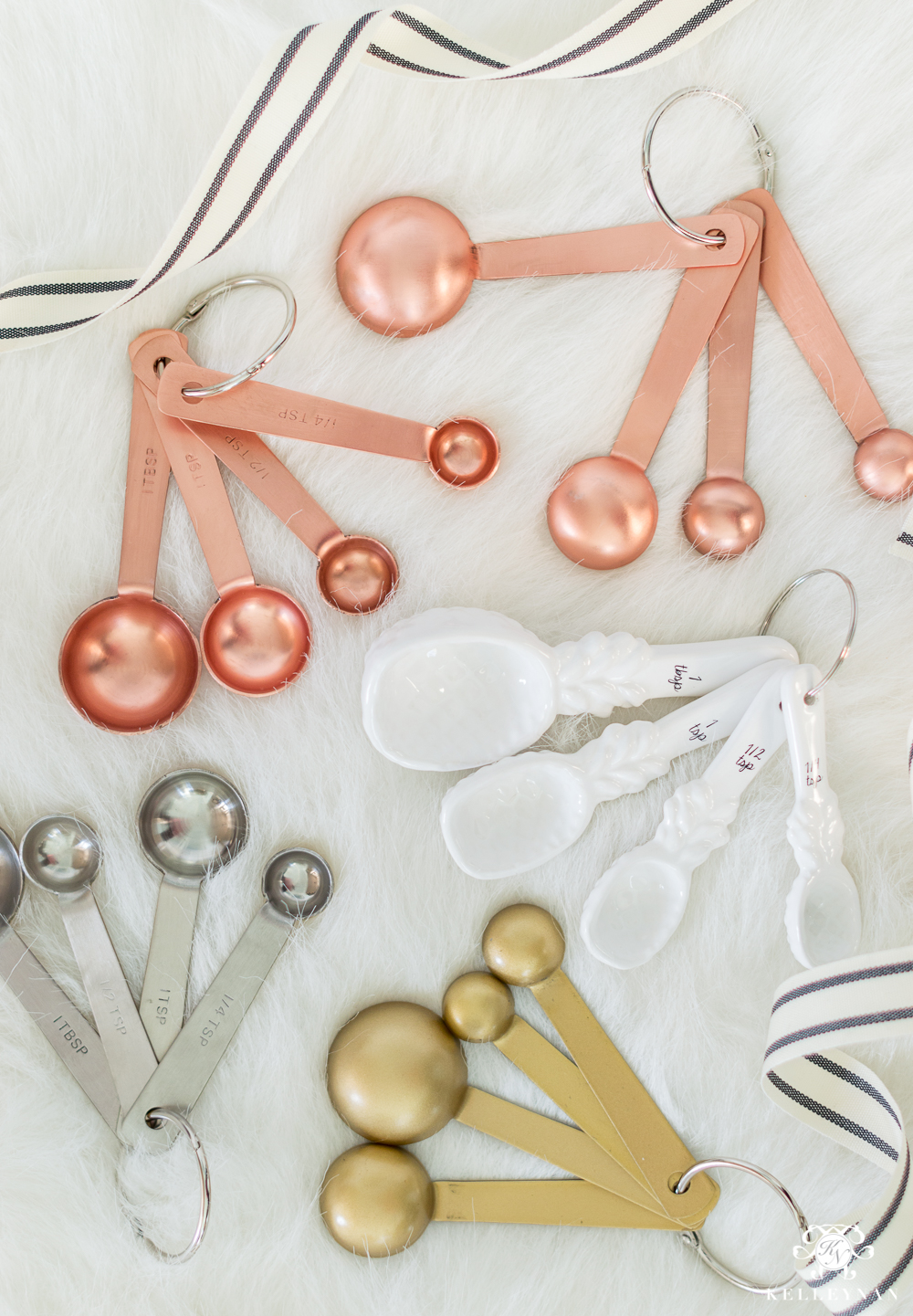 Adorable measuring spoons- copper, gold, and white pineapples