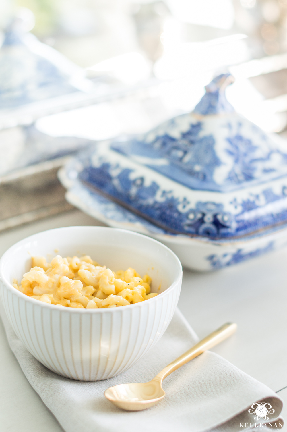 Paula Deen Modified crock pot mac and cheese- so easy and delicious!