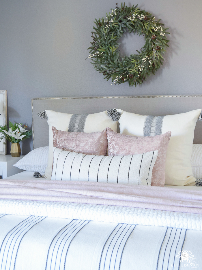 Christmas Bedroom with Live Wreath