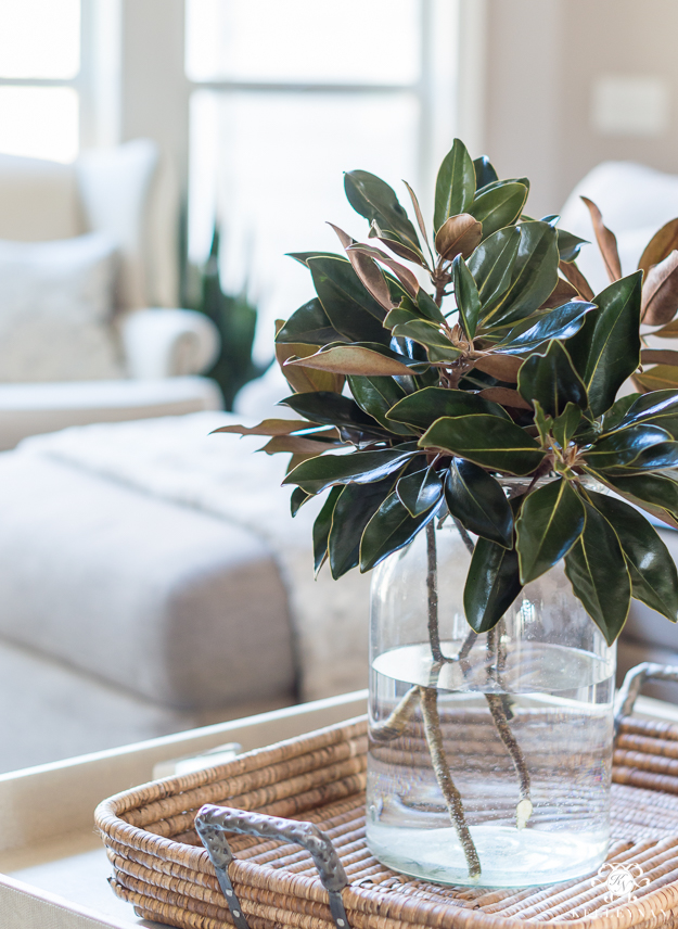 Nine tips to transition your holiday decor winter in