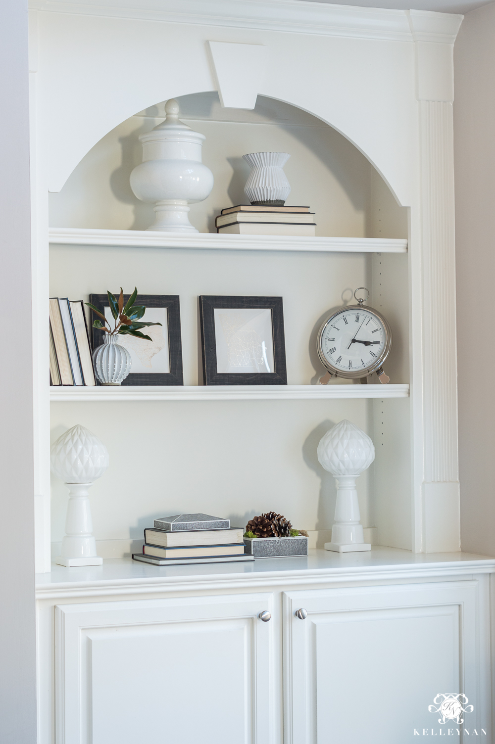 Styling bookshelves with neutral dcor