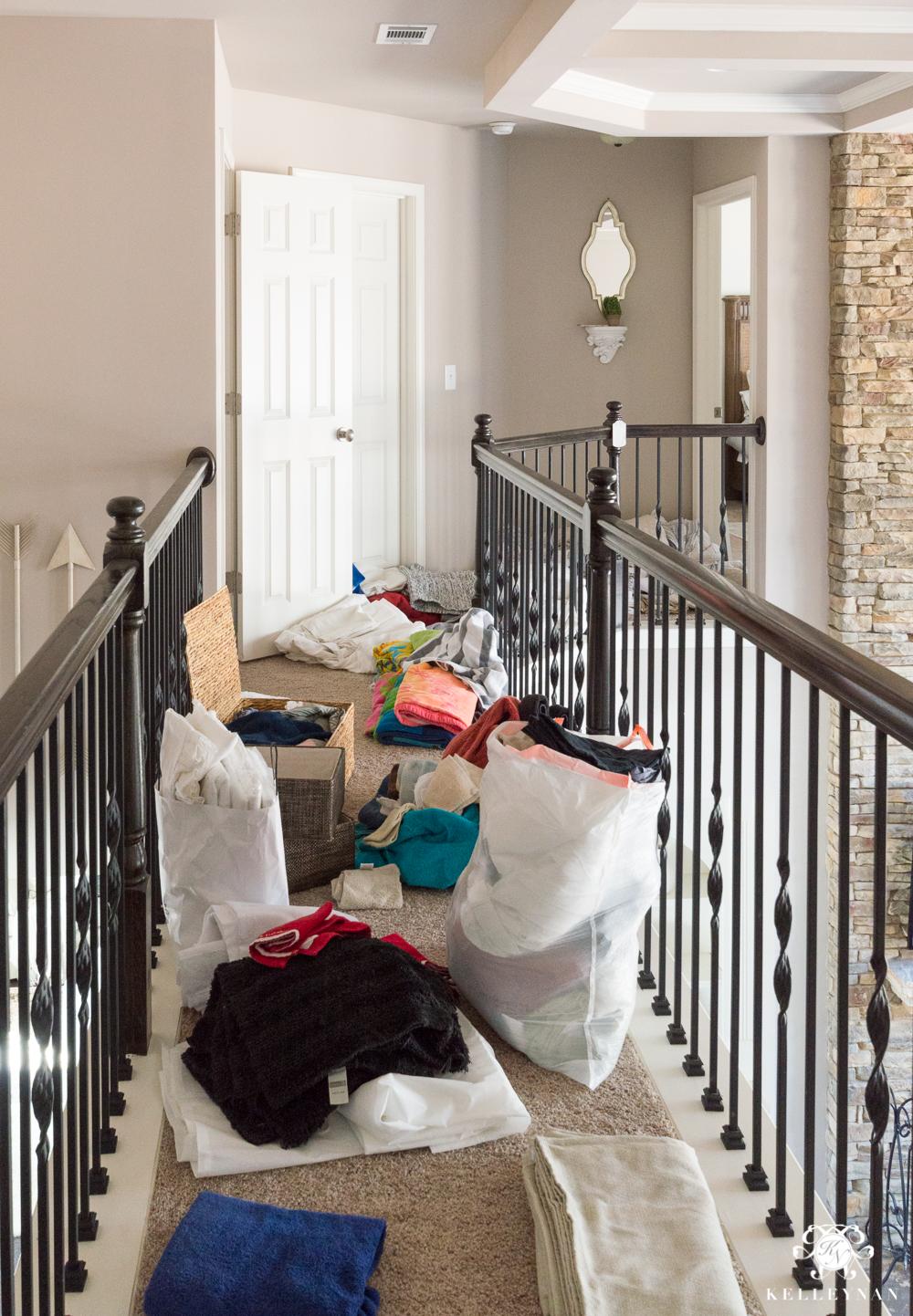 A Small Organized Linen Closet And Ideas To Store Bulky Bedding Kelley Nan