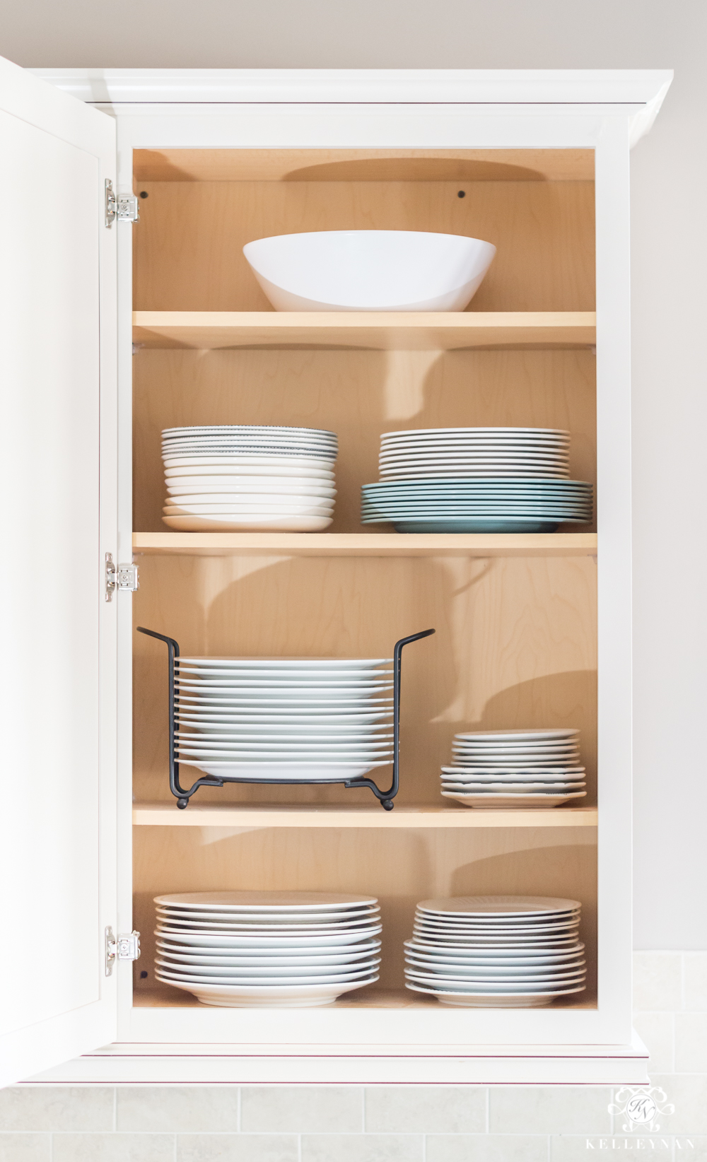 How To Organizing Dining Plates When You Have A Lot