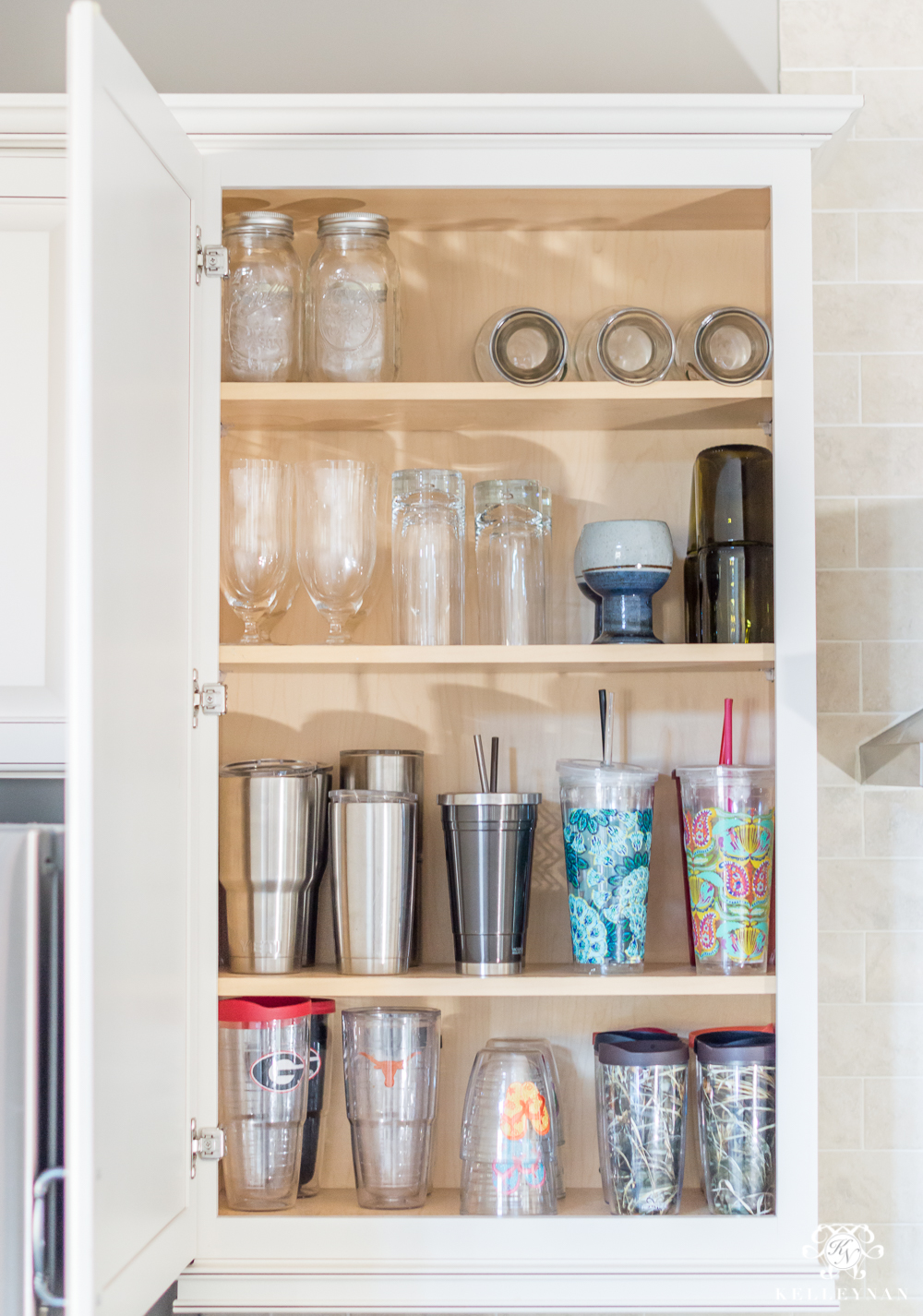 how to clean glass kitchen cabinets