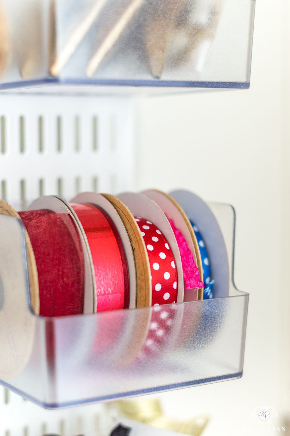 Ribbon organization in the gift wrap station