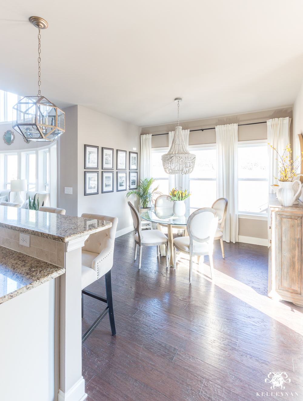 Breakfast Nook Connected to Kitchen- Cohesive Design Inspiration