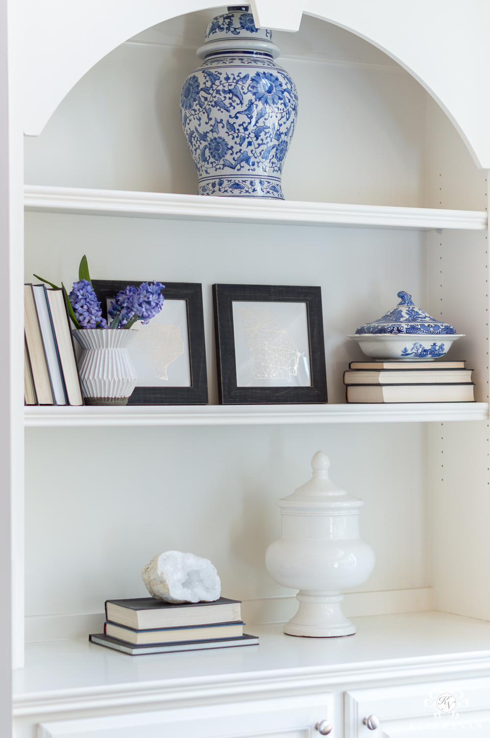Blue and Neutral Shelf Styling Ideas and Inspo