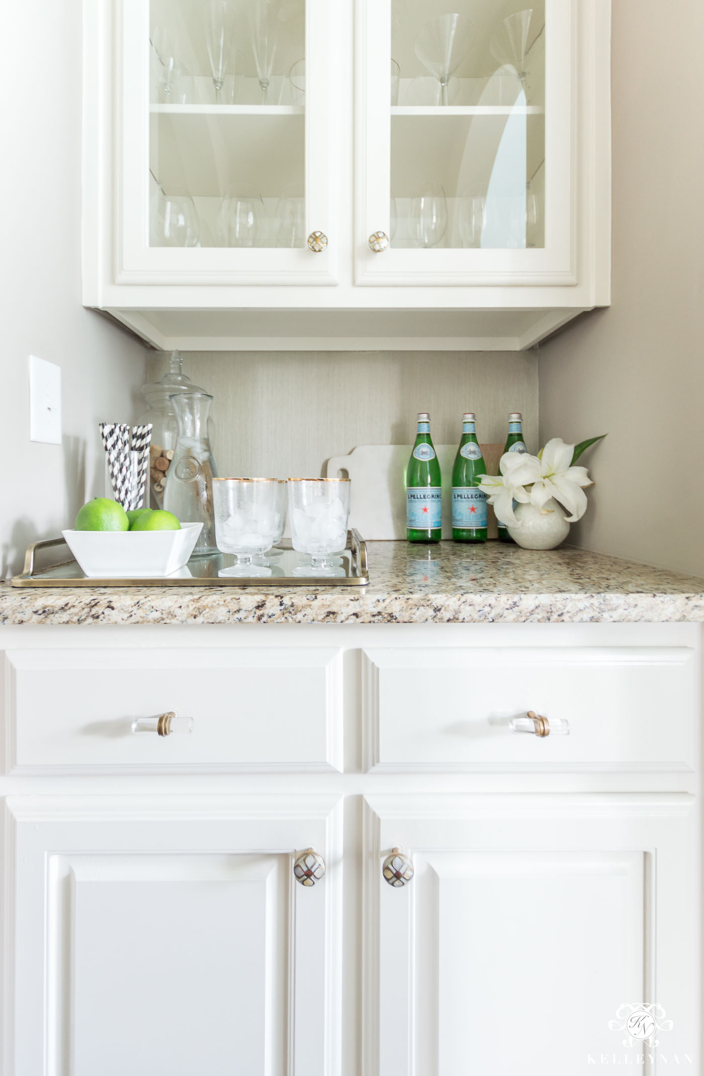 Small Butler's Pantry Essentials and Decorating Ideas