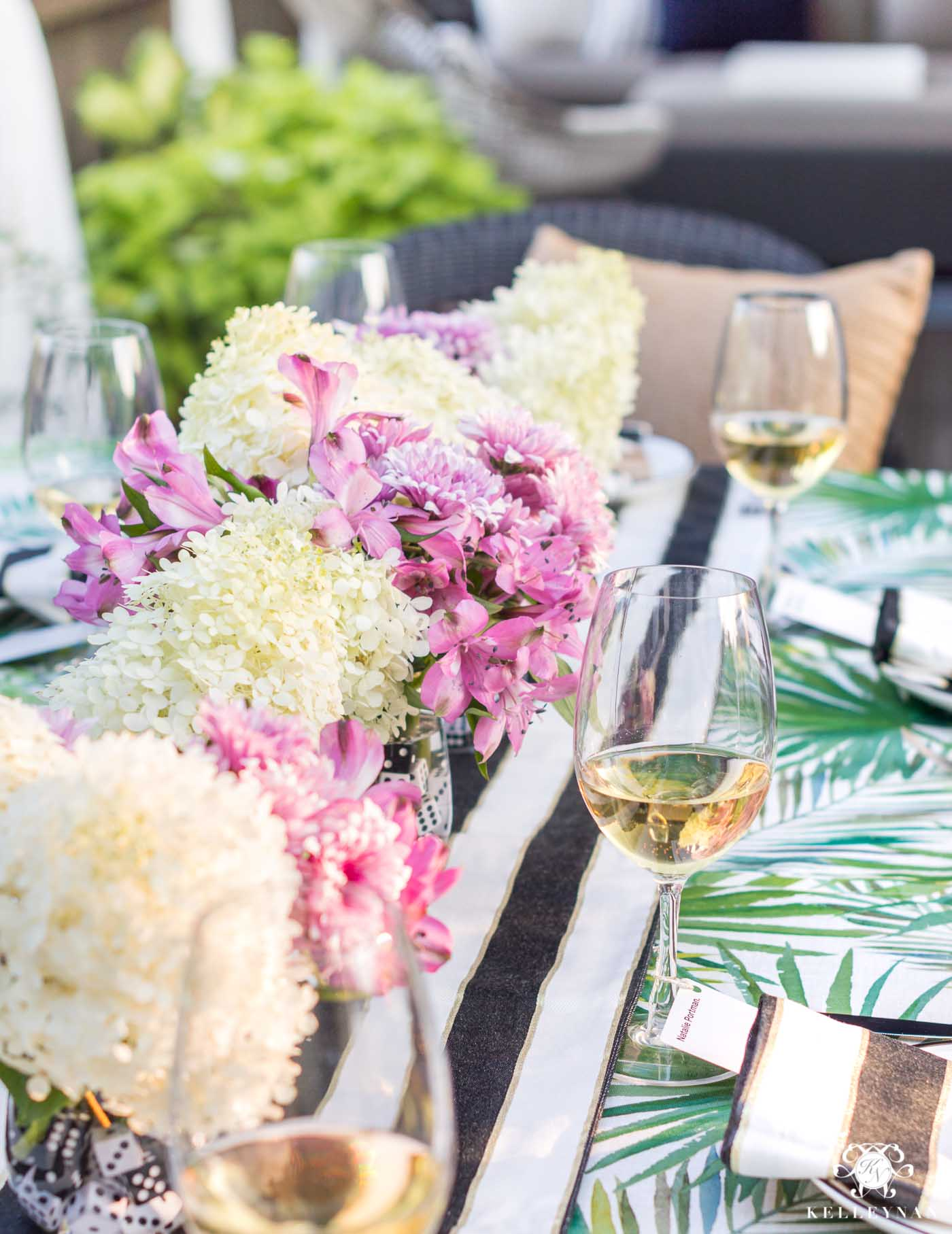 Easy outdoor dining floral arrangements for summer al fresco party