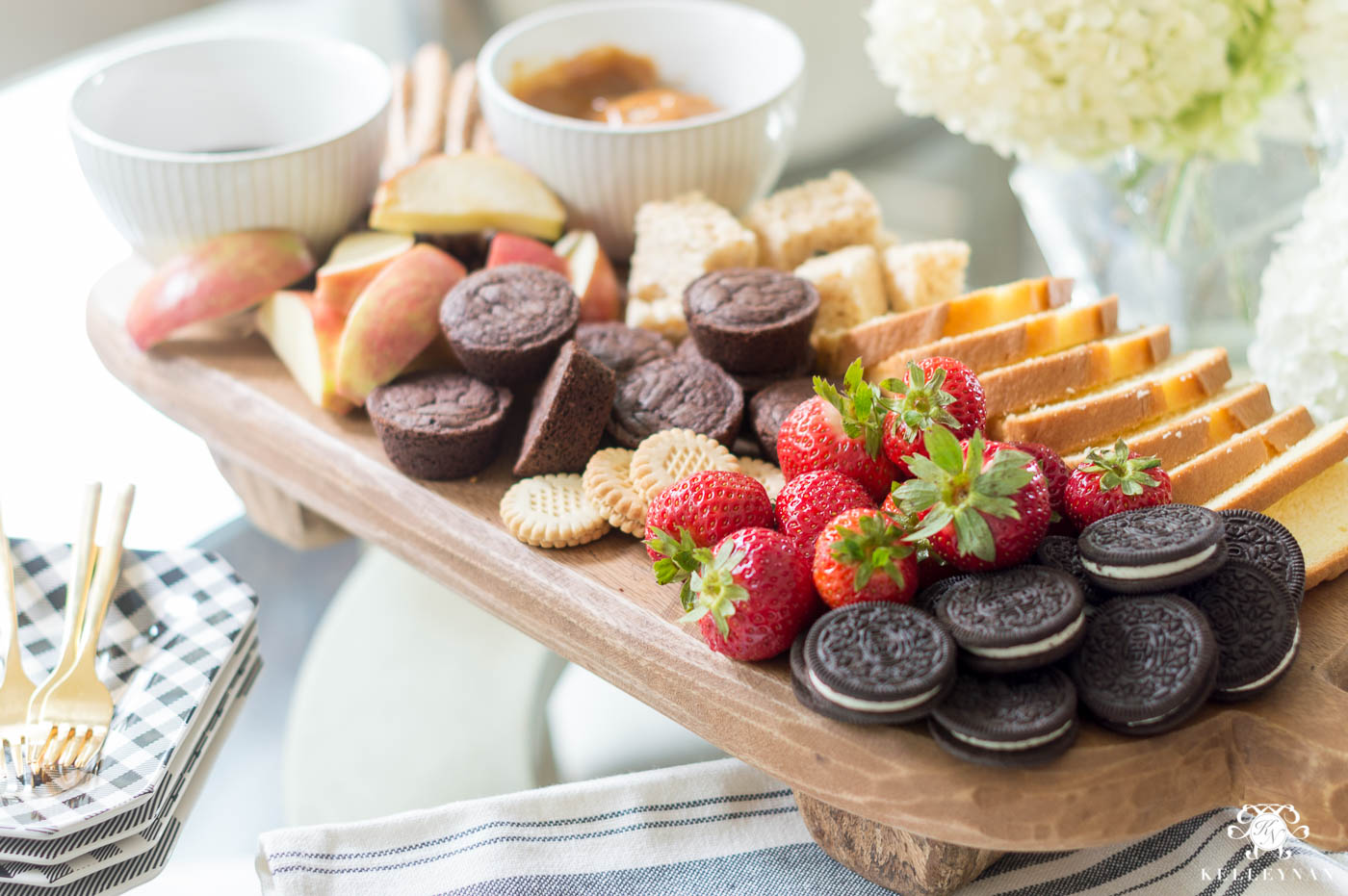 Dessert Platter Ideas with Chocolate and Caramel Dipping Sauces