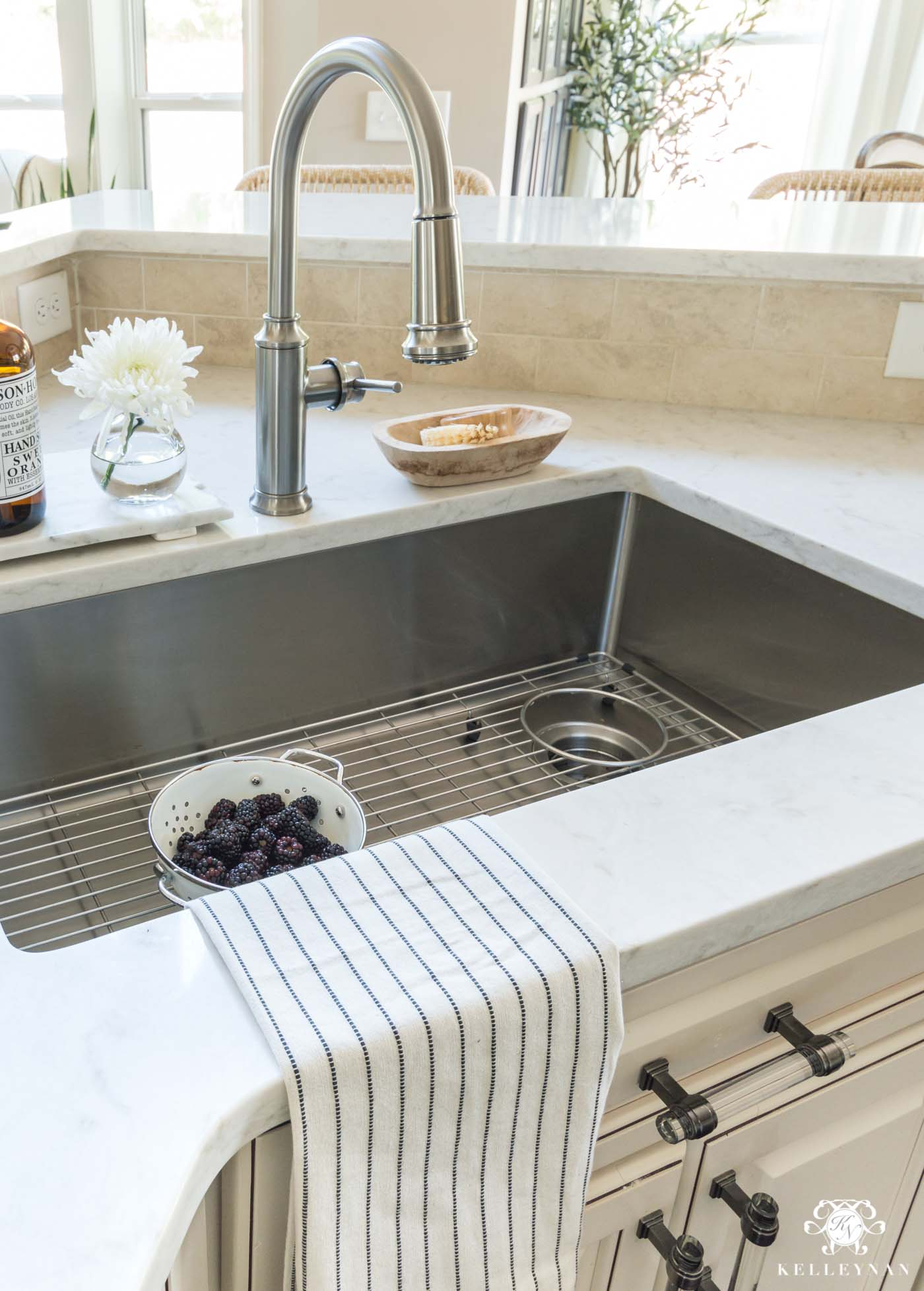 Beautiful under-mount single basin blanco sink with side drain