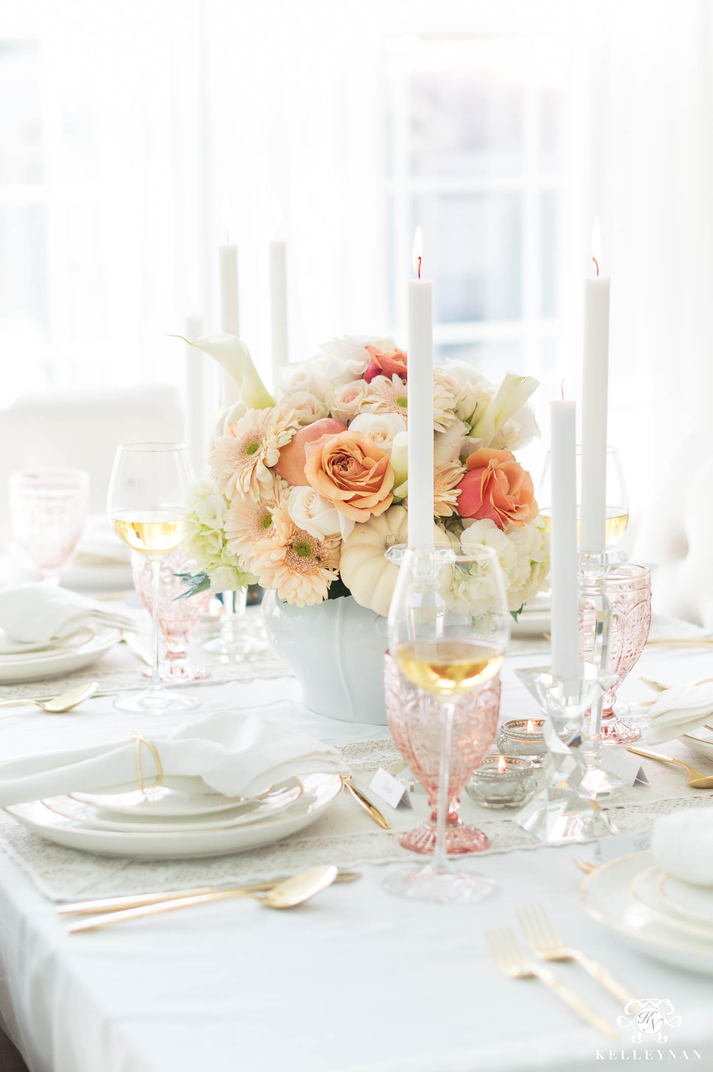 Elegant Thanksgiving Table Decorations & A Hostess Checklist
