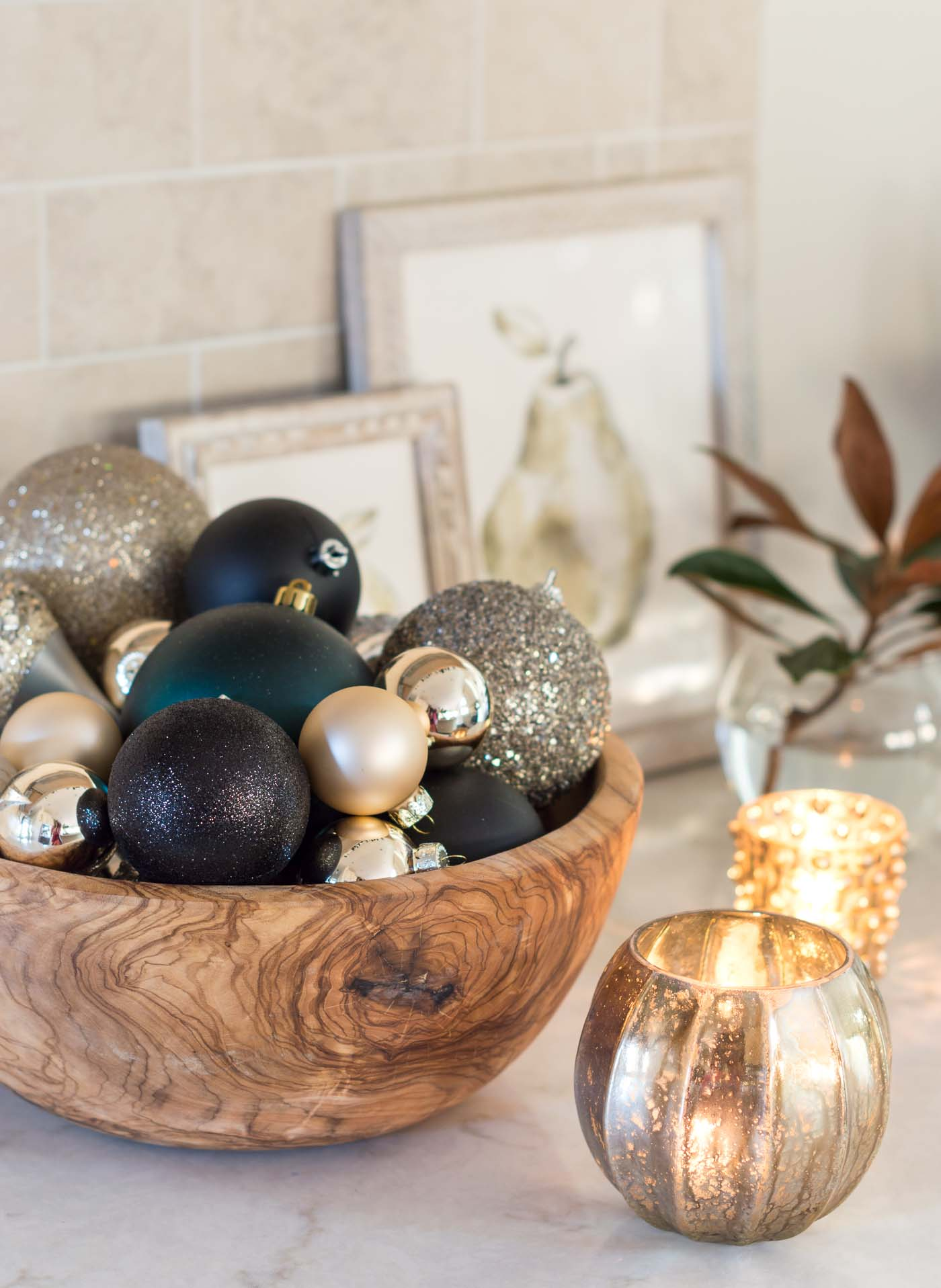 Simple Christmas kitchen decorations